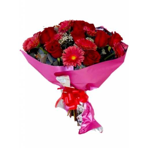 Ramo de 12 Rosas y 12 Gerberas