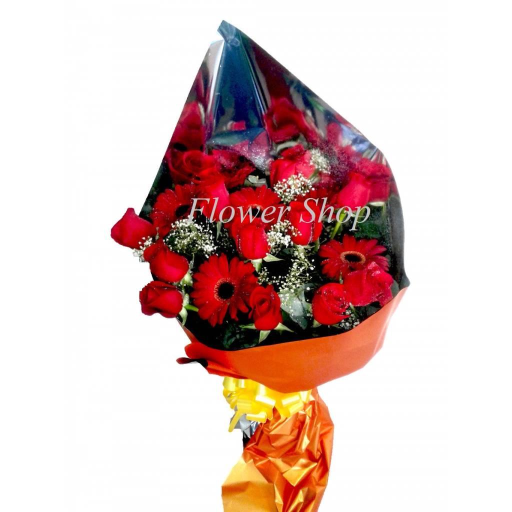Ramo 12 Rosas con 6 Gerberas