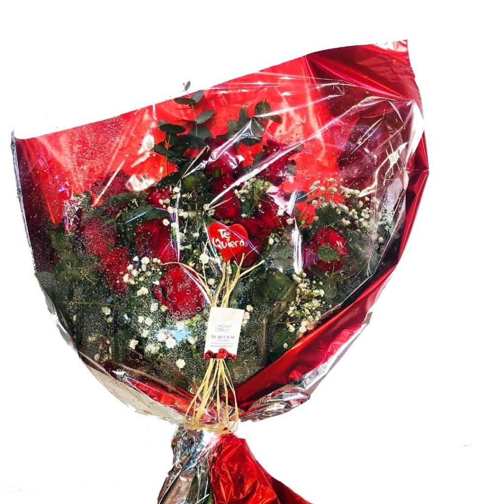 Ramo 12 Rosas Rojas en Sobre Transparente con Fondo